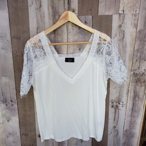 VICI WHITE TEE WITH LACE SHORT SLEEVE SIZE L